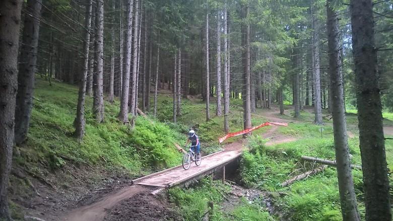Glenda Mountain Biking in Pleney