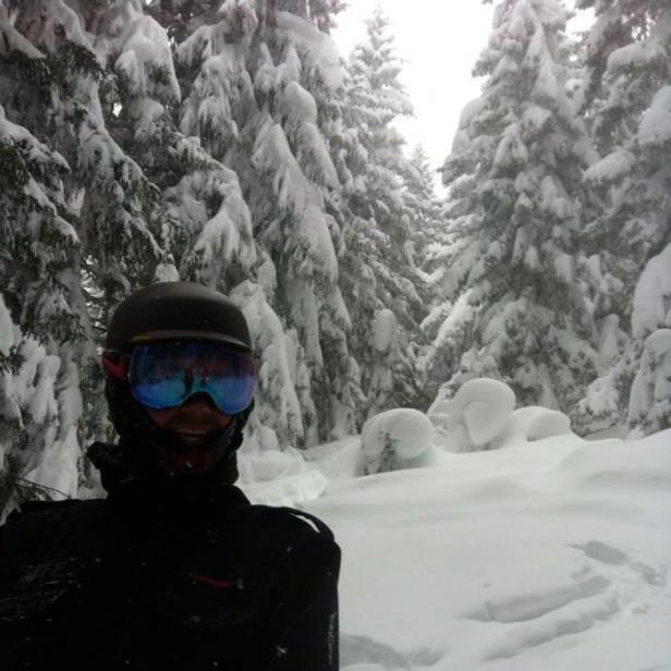 Luke in powder snowboarding