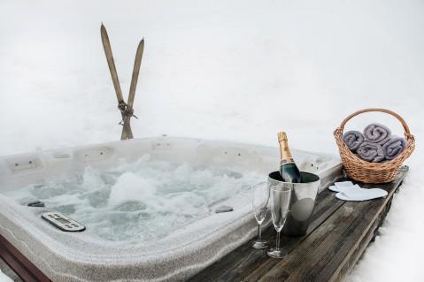 Morzine ski chalet hot tub   Luxury