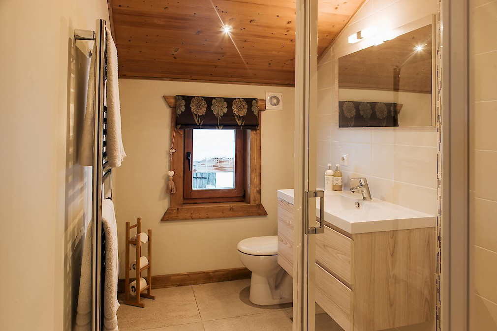 Chalet Morzine Bathroom En-Suite France Mountain Mavericks