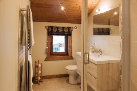 Luxury Morzine chalet bathroom   Mountain Mavericks