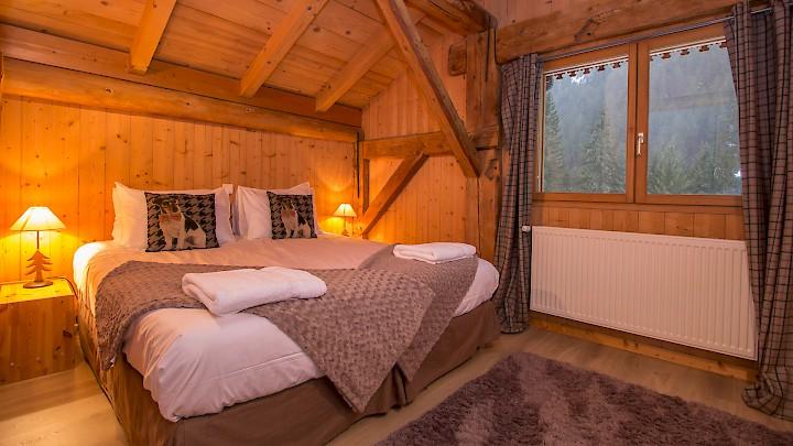 Double Bedroom in Morzine with Mountain Mavericks