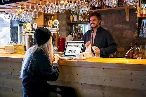le cottage bar