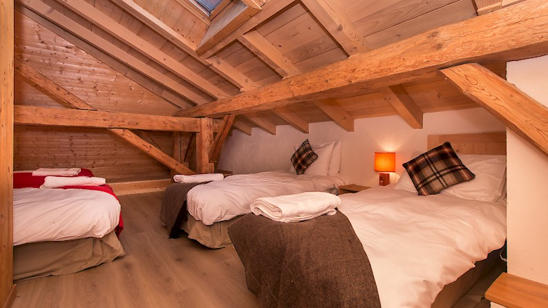 4 person bedroom Morzine, Mountain Mavericks