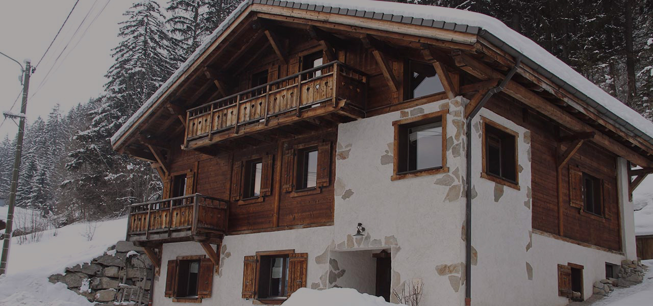 Chalet Le Prele in Morzine with out door hot tub